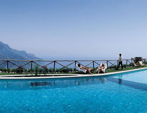 世界上最美的11个泳池(组图)(3)