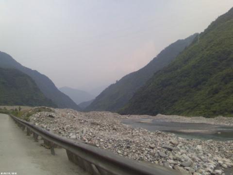 二郎山风景   骑自行车翻越  二郎山的旅游者 二郎山风景
