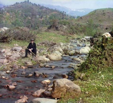 淹没的新疆  - 洪启 - 另一个空间